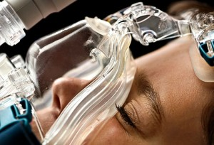 08_sleep_apnea_wearing_cpap