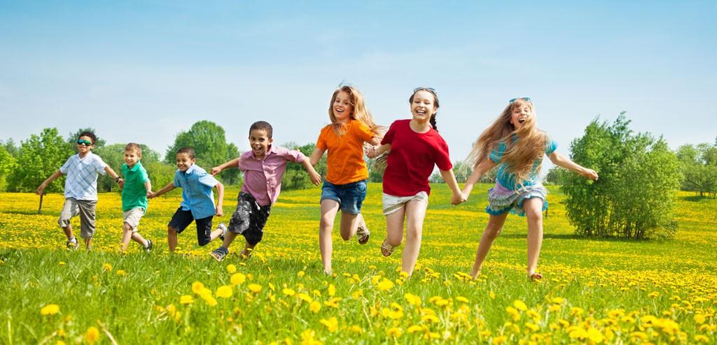 asthma-children-running-in-the-park-kids-1024x494